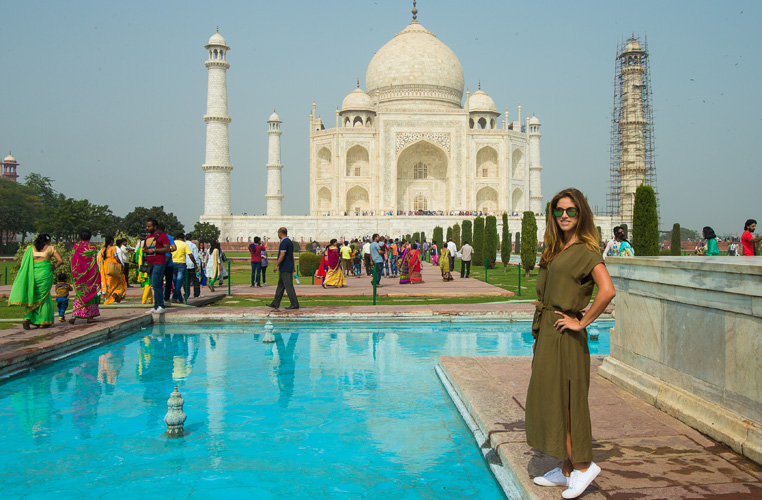 07/11/2016 Ladies European Tour 2016: HERO Women's Indian Open, DLF Country Club, New Delhi, India. 11-13 November. Belen Mozo of Spain poses for a photograph during a trip to the Taj Mahal. Credit: Tristan Jones