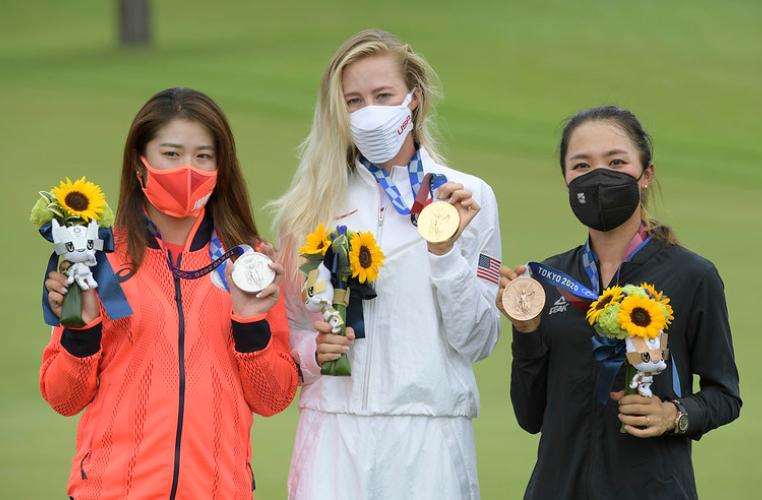 Tokyo 2020 golf podium